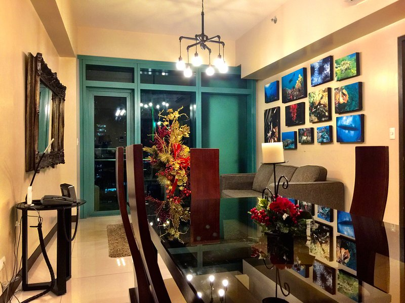 8 Forbes Town Road Suites, holiday rental in Taguig City