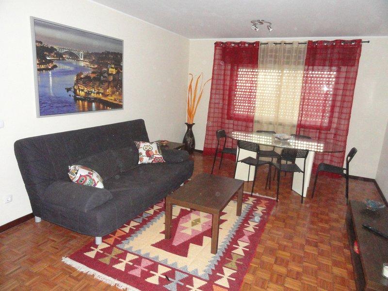 Full equiped apartment in quiet residencial area., location de vacances à Maia