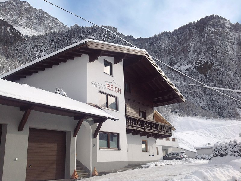 Berghof Reich, vacation rental in Huben
