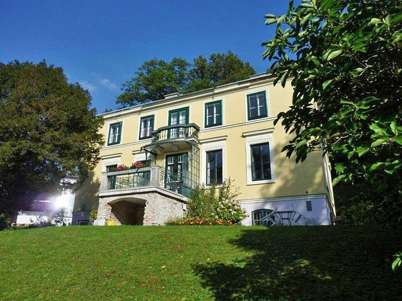 Villenapartment Neuwaldegg, vacation rental in Lower Austria