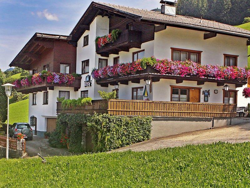 Jägerhof, holiday rental in Kolsassberg