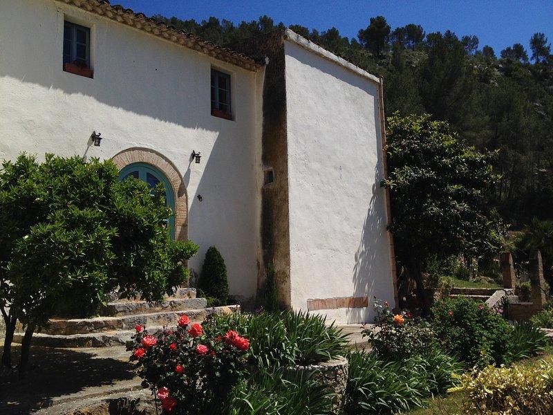 Porta principale al giardino delle rose