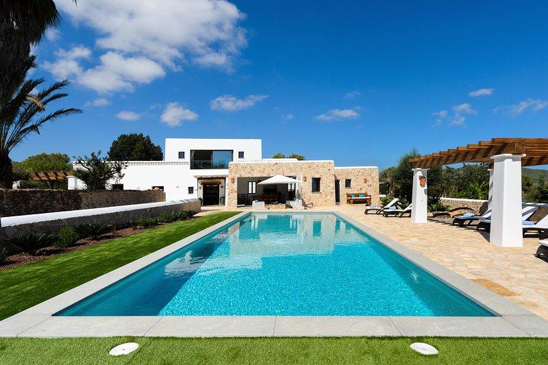 Incantevole villa di recente costruzione con piscina privata