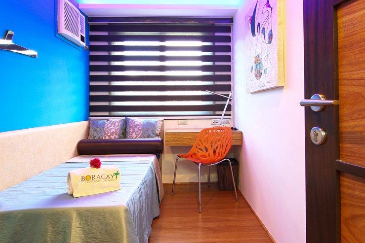 Bulabog Suite Smaller Bedroom