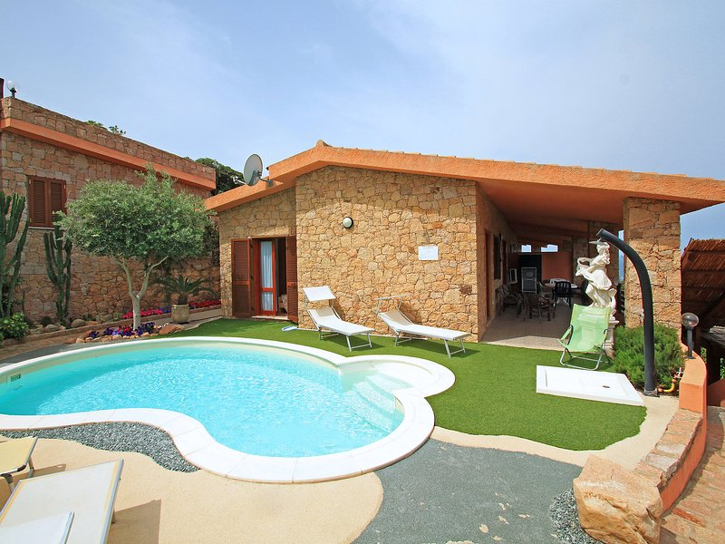 Gatti, holiday rental in Costa Paradiso