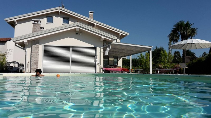 Detached Villa with pool in Veneto, location de vacances à Malo