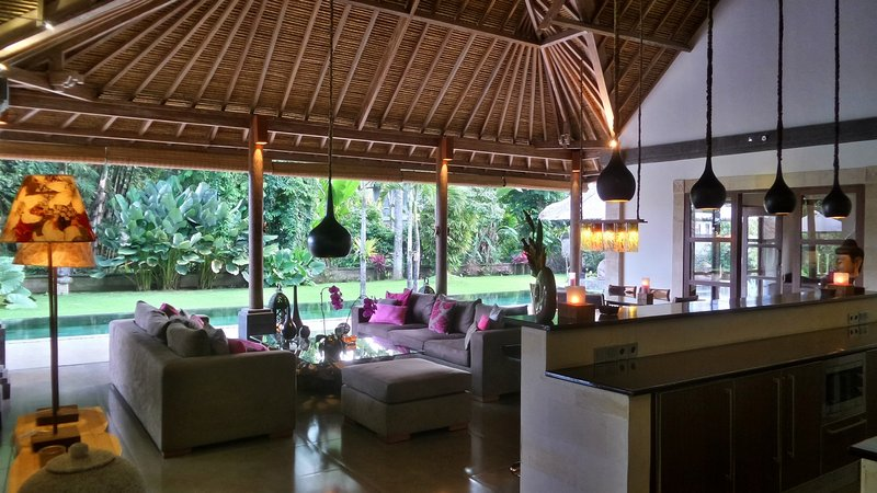 Rouge Bali - Private Villas ( Umah Bamboo ), holiday rental in Bresela
