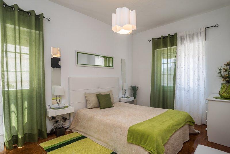 Villa Remos - Centro Sesimbra -  WIFI, holiday rental in Sesimbra