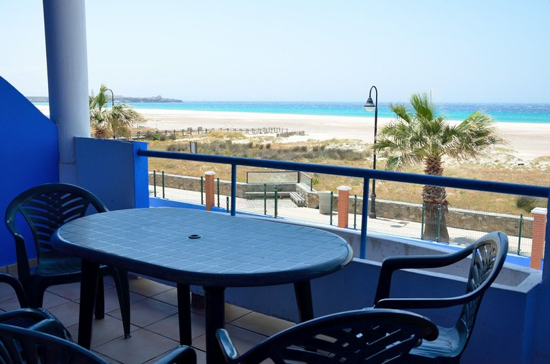 Tortuga II, P1 -7, holiday rental in Tarifa
