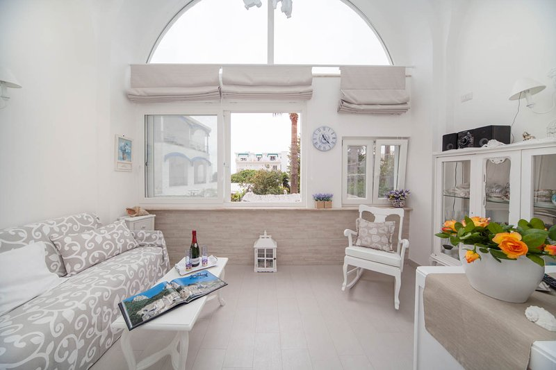 Villa Apollo b&b- Capri centro, location de vacances à Capri