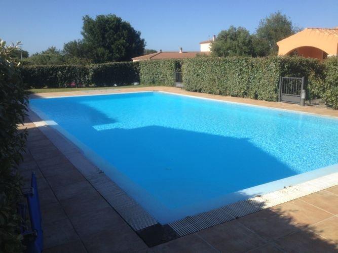 Elegante villetta con piscina, vacation rental in San Teodoro