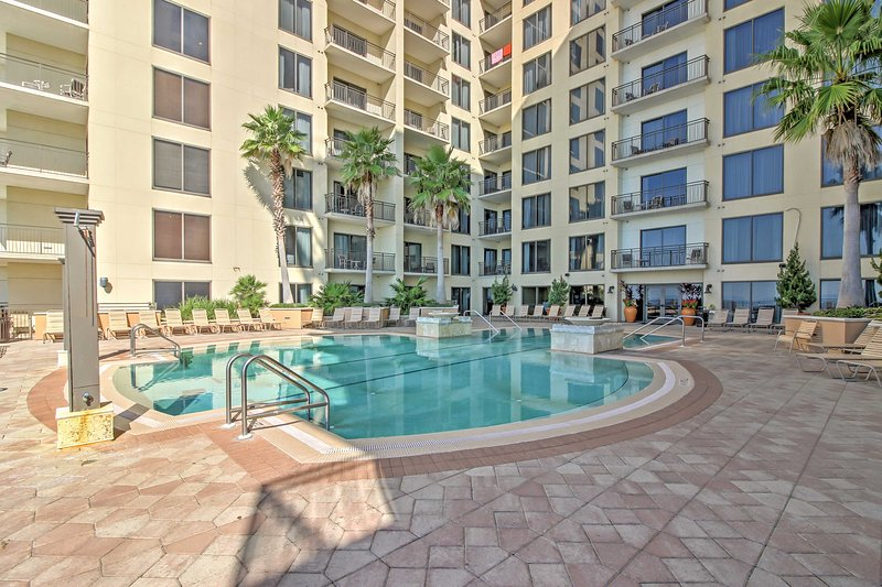 Have a memorable coastal retreat at this lovely Panama City Beach vacation rental condo!
