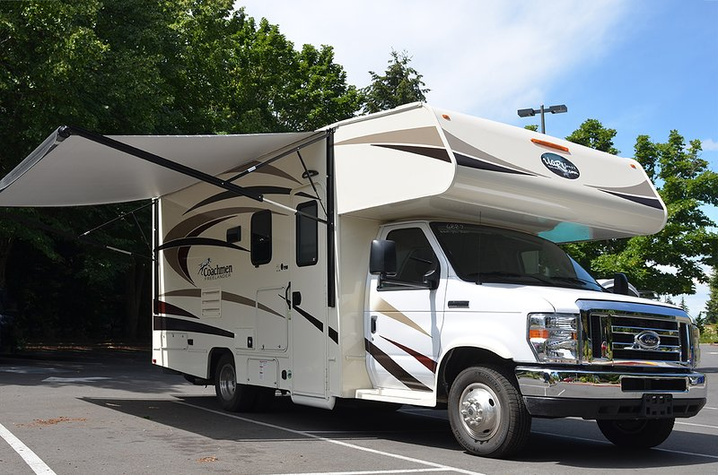 RV rental in Bellevue, viarv llc, price include 100 miles/day, $0.50 extra extra, holiday rental in Bellevue