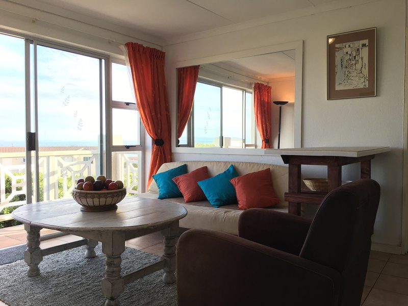 HBC9 Self-Catering seaview apartment, holiday rental in Onrus