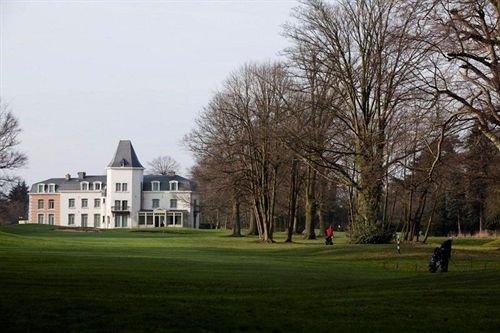 Château de Bernalmont 'The place to stay', location de vacances à Trois Ponts