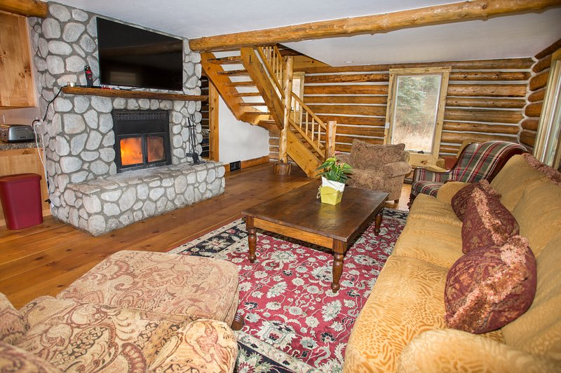 Come stay in this beautifully restored cabin.  It is magnificent and has so much charm!