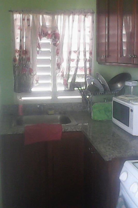 cucina completamente attrezzata