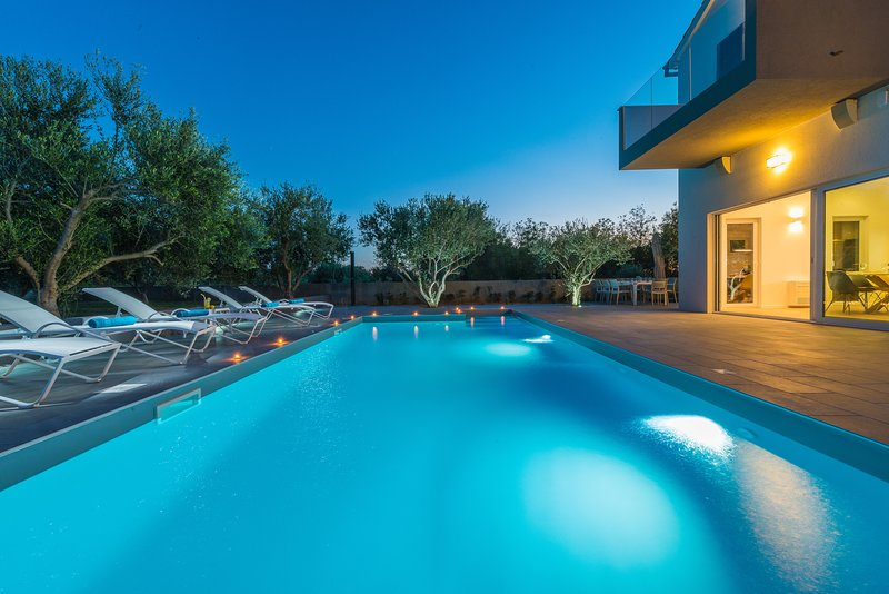 Villa Aria - Luxury with style, holiday rental in Privlaka