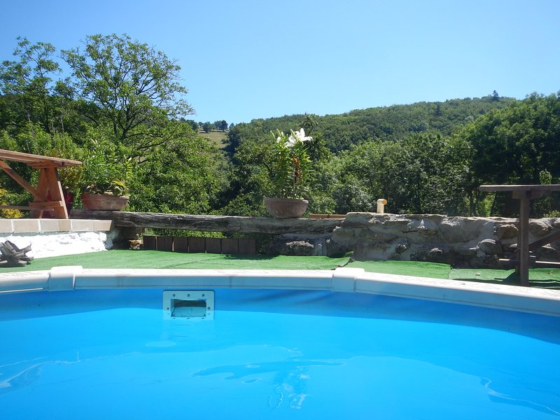 The view of the valley from end of the pool