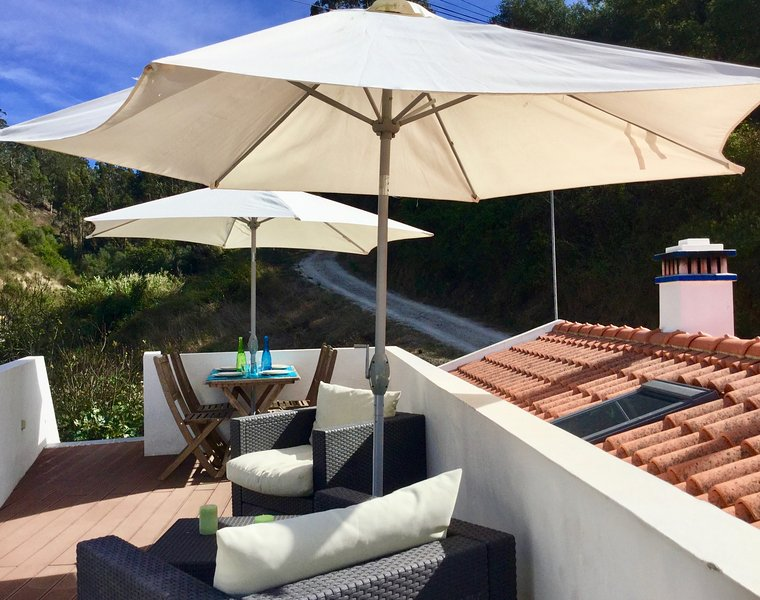 NEW: True Charm in the Village with Lounge Rooftop, vacation rental in Odeceixe