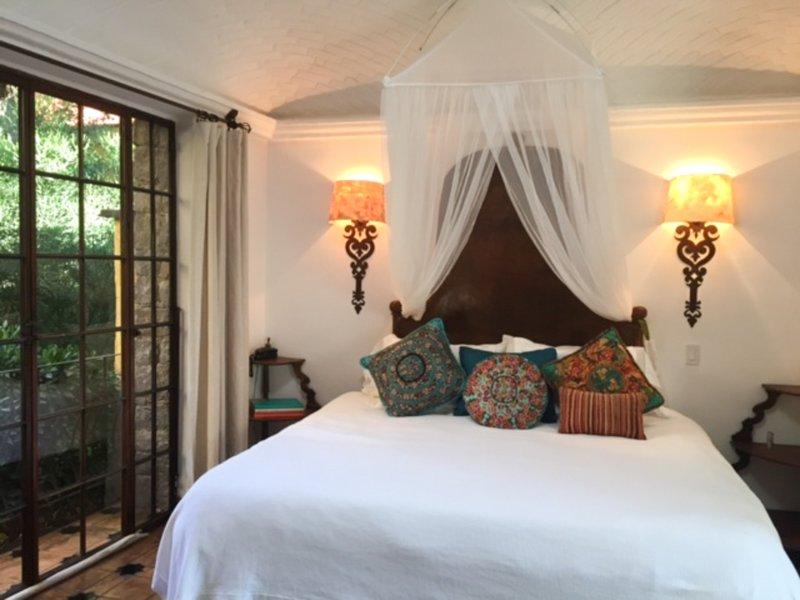 El dormitorio principal rey en Casa Cho Co Latte.