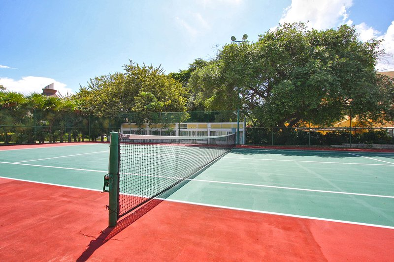 The Paseo del Sol tennis courts