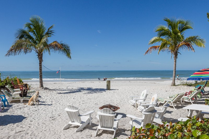 MERMAID 2BR beachfront home***Heated Pool***Pets OK, vacation rental in Indian Shores