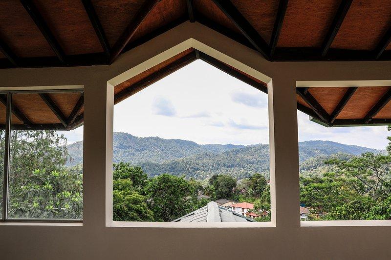 Villa in the Misty Hills of Kandy, holiday rental in Nugawela