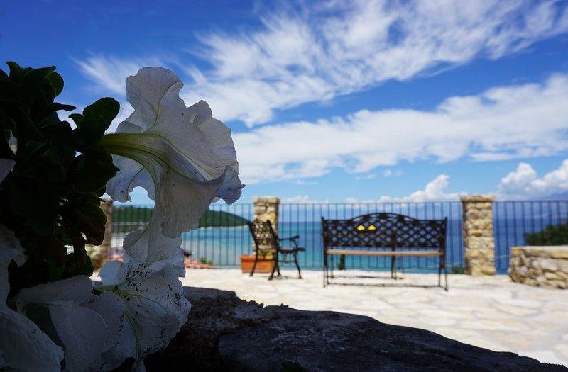 Sirios Apartments Corfu, holiday rental in Apraos