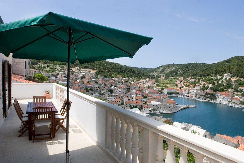 Apartment Pucišća (6+2), Brac Island, casa vacanza a Gornji Humac