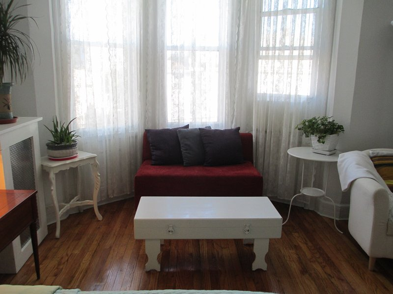 seating area bedroom 2