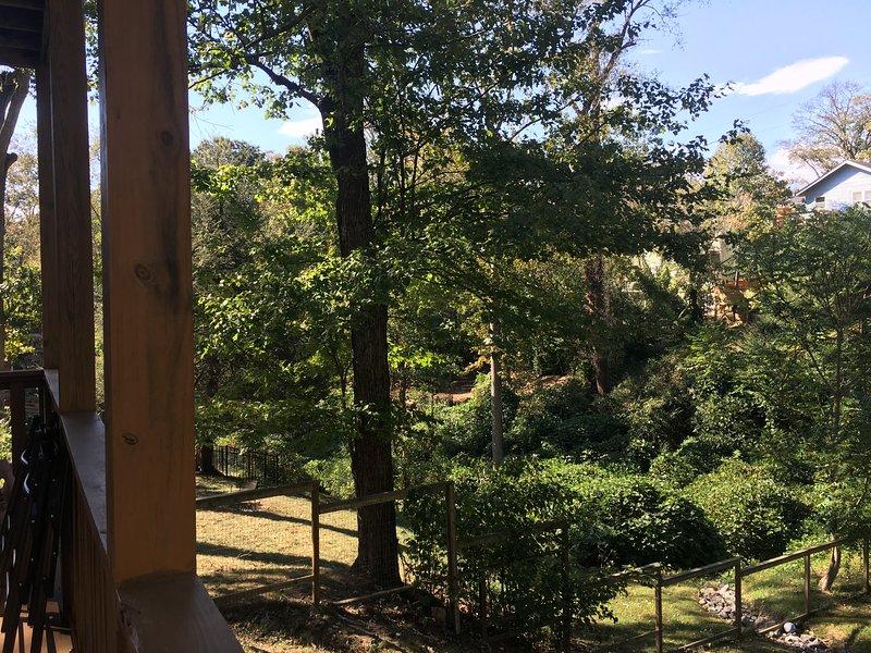 La vista desde la terraza con su café de la mañana (Krups y crema) bajo sherpa lanza mantas.