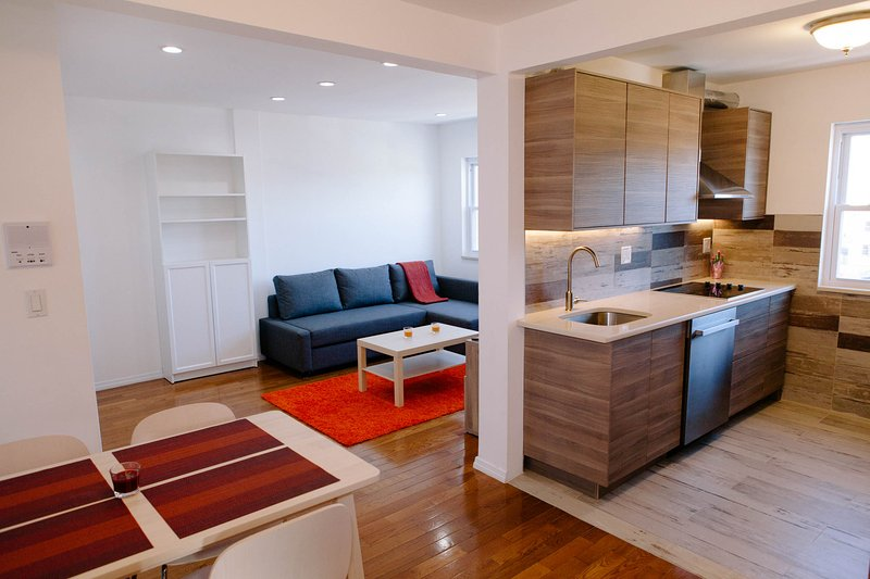 Newly renovated apartment 8 minutes from Midtown Manhattan optional parking, casa vacanza a Union City