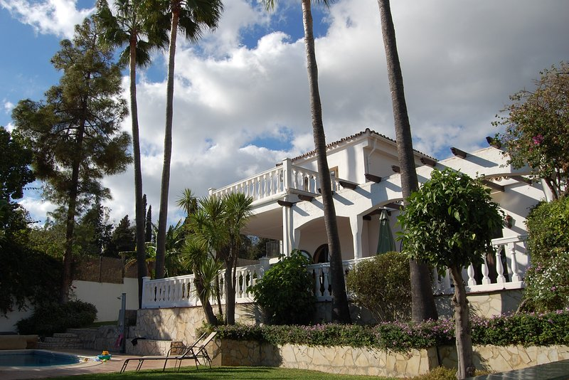 Front of Villa with Garden and Pool