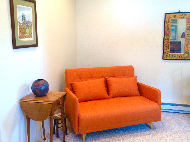 Casita Cielo~the comforts of home without the work., holiday rental in Espanola
