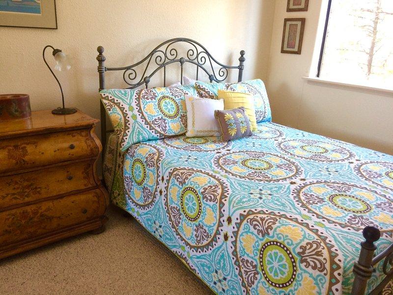 Queen bedroom overlooking Pueblo Canyon