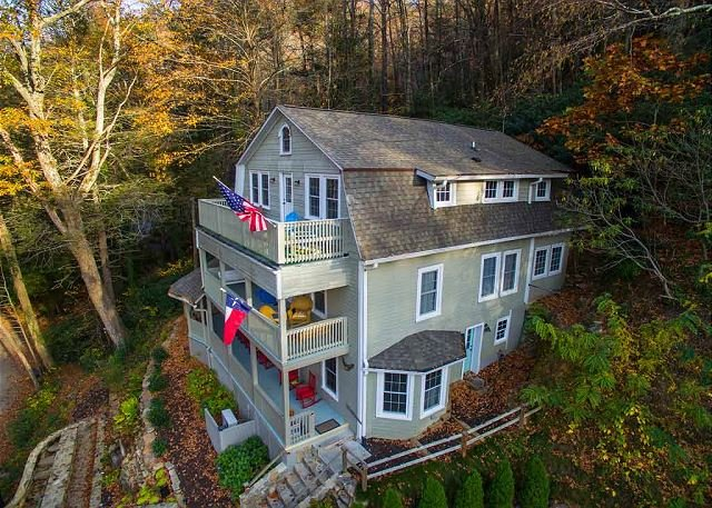 Patricia Home | 6 Bedrooms | Pet Friendly, holiday rental in Montreat