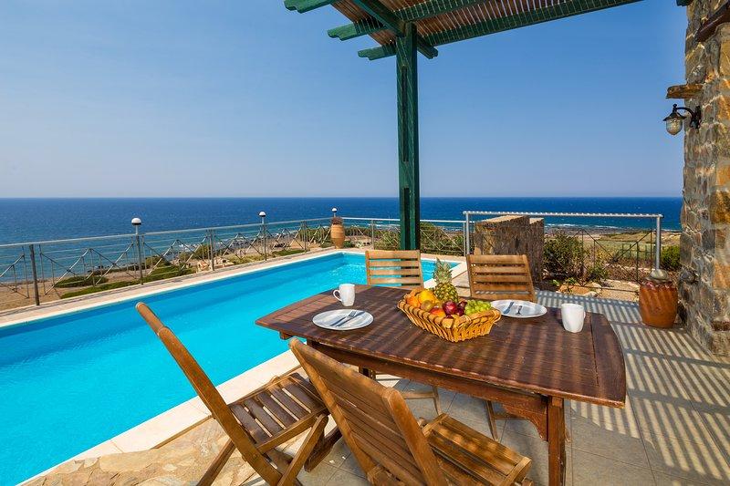 Sunset Views at villa Elafonissi with Private Pool & Walk to Tavern. Sea Views! – semesterbostad i Keramoti
