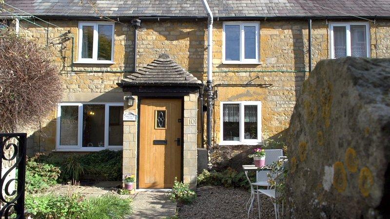 Forget Me Not Cottage, todo el encanto y la paz que se espera de una casa de campo.