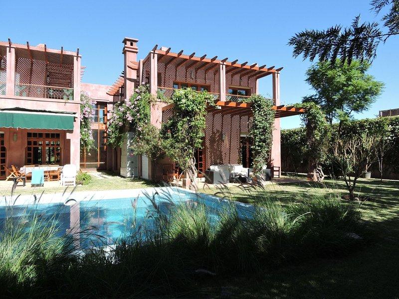 Villa Apricot