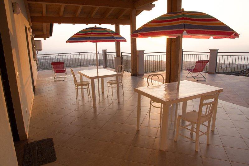 Rosa Apartments (Casa vacanze - Vista Mare), vacation rental in Capo d'Orlando