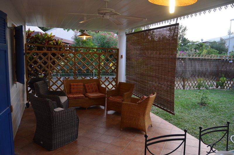 veranda living side