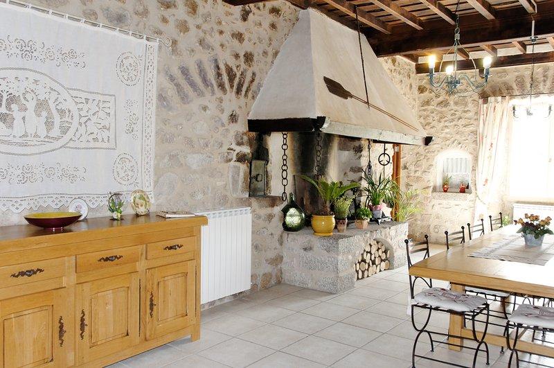 Chambres d'Hôtes Damai Noell, location de vacances à Beget