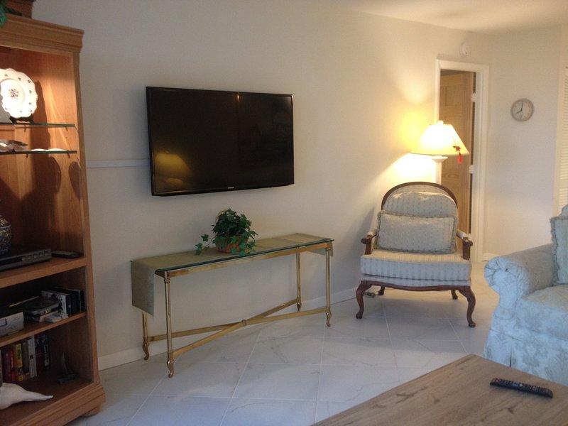 Sala de estar con TV de alta definición