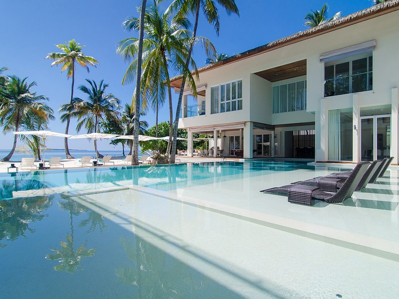 Le Amilla Villa Estate - près de la piscine Luxuriate