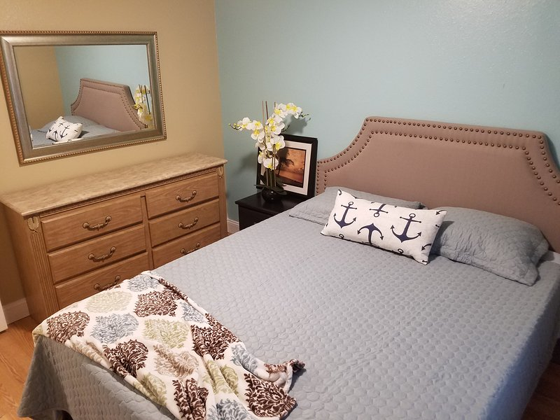 Cozy 2 Bed 1 Bath Villa/Duplex near Airport and Beach ...