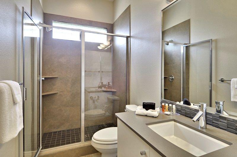 Main Level - Bath