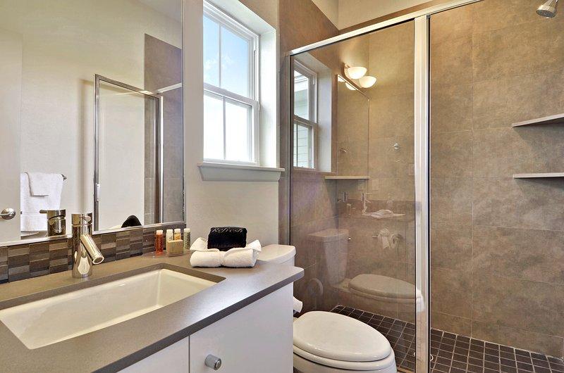 Upper Level - 2nd Bath
