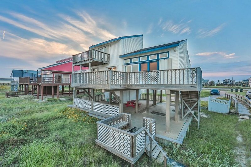 GulfWinds Beachfront - Beachfront Home!