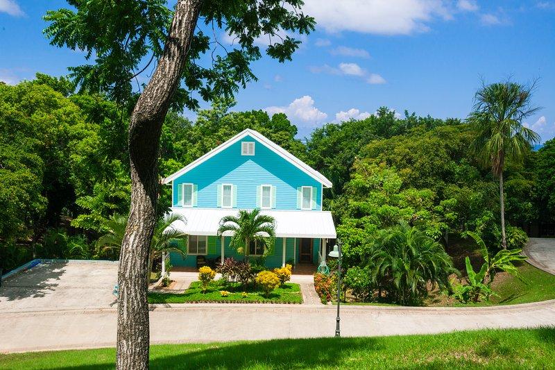 Casa Azul in Lawson Rock